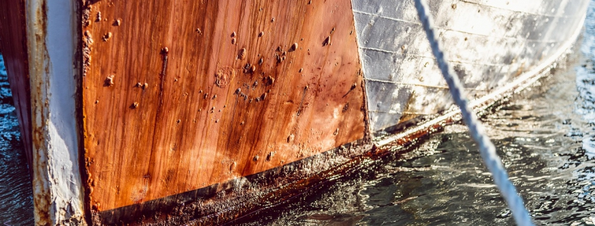 Remove antifouling safely with our complete guide